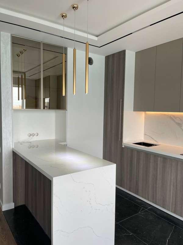 Predať 3-Spálňový apartmán  Rivne