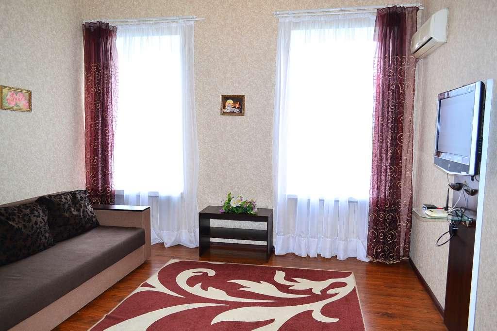 na prenájom 2-Spálňový apartmán  Dnipropetrovsk