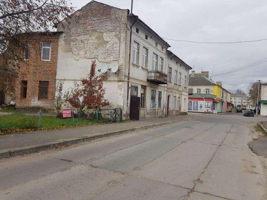 продам 2-комнатную квартиру в Радехове