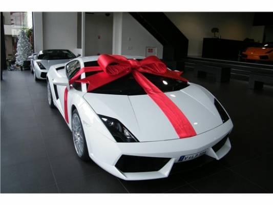 Покупателям недвижимости Дубаи дарят Lamborghini