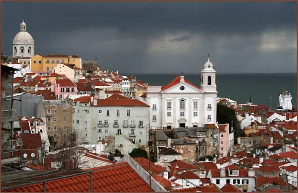 Як португальці штучно підвищують ціни на нерухомість