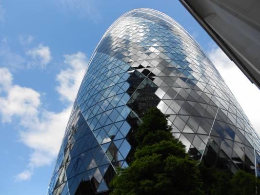 Одно из самых экстравагантных зданий Лондона продается