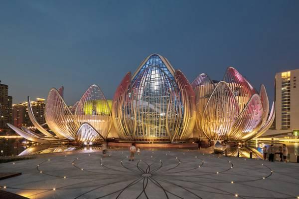 У Китаї відкрили вражаючу будівлю-квітку - The Lotus Building